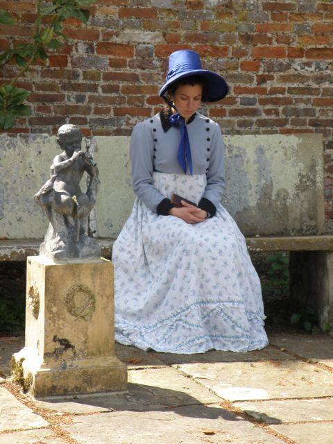 Bonnie Adair as Felicity Lambe